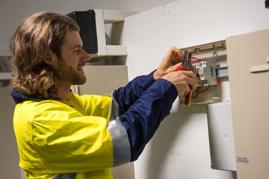 What's the Difference Between Commercial And Service Electricians?